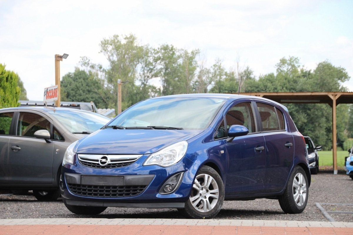 Opel Corsa - 1.4I AUTOMAAT COSMO